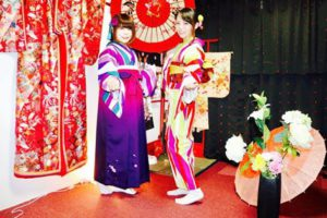 お誕生日おめでとうございます🎊袴に着物で誕生祝いです。浅草散策楽しんで下さいね(*^▽^*) 客人選擇了非常美麗的傳統袴來慶祝生日唷!祝你生日快樂淺草觀光愉快(*^^*)(*^^*)