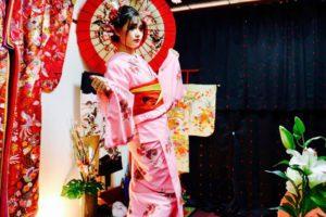 海外からお越しのお客様です。艶やかなお着物をお選び頂きました^_^日本伝統体験ありがとうございます。浅草観光楽しんで下さいね😊💕💕 來自海外的客人,選擇了粉色以及白色花紋的和服,非常適合您們!謝謝您們體驗本店的和服,並祝福您們在淺草觀光愉快!❤️😊