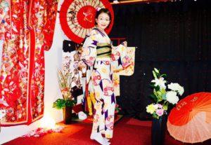 マレーシアからお越しのお客様です。伝統的な和柄のお着物をお選び頂きました^_^和服体験ありがとうございます、日本旅行楽しんで下さいね💕 來自馬來西亞的客人,選擇了傳統花紋的和服唷!謝謝您體驗本店的和服,祝福您在日本觀光愉快❤️❤️