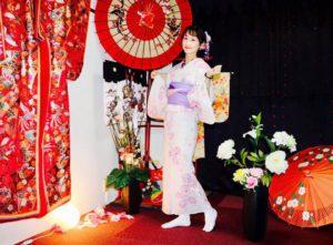 海外からお越しのお客様です。上品な浴衣をお選び頂きました💕後ろ姿もとても素敵です,日本旅行楽しんで下さいね✈️ 來自海外的客人,選擇了優雅風格的浴衣,背後的蝴蝶結也非常可愛~~祝您在日本玩得開心✈️