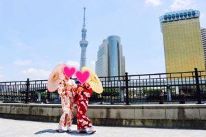 香港からお越しのお客様です💕可愛い浴衣をお選び頂きました👘とてもお似合いで素敵です。浅草観光楽しんで下さいね😊 來自香港的客人,選了很可愛的浴衣唷~非常適合兩位,祝您在淺草玩得愉快。