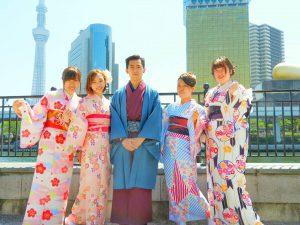 香港からの仲良しグループです。艶やかなお着物がとても素敵ですね\(^o^)/着物体験ありがとうございます(●^o^●)