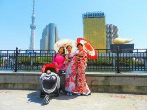 台湾から起こしのお客様です。和柄のお着物がとても素敵ですね、隅田川公園口で、スカイツリーをバックにお写真撮影をしました。着物体験ありがとうございます(●^o^●)