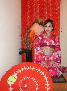 上海からのお客さまです。伝統的な振り袖を体験頂きました。とても素敵ですね\(^o^)/着物体験ありがとうございます!