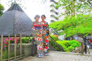 レトロモダンな着物がとてもお似合いです(~▽~@)♪♪♪