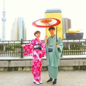中国からのお客さまです。艶やかなお着物がお二方とも、とてもお似合いです\(^o^)/着物体験ありがとうございます(●^o^●)また是非いらしてください!