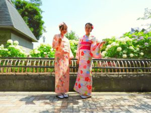中国からのお客様です。可愛いいお着物をお選び頂きました(^^)ありがとうございました(*^^*)