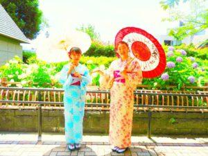 中国からのお客様です。紫陽花を背景に、浴衣姿でとても可愛いです。体験ありがとうございます\(^_^)/ 浅草観光たのしんで下さいね(^-^)