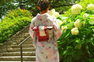 紫陽花にさわやかなお着物姿です。情緒ある浅草で、当店ご利用ありがとうございます♪ とても素敵です( ^-^)ノ∠※。.:*:・'°☆