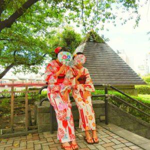 上海からのお客様です。浴衣体験ありがとうございます(*^ー^)ノ♪可愛いい浴衣をお選び頂きました。 上海來的兩位超級可愛的客人,選擇的都是可愛款的浴衣,與兩位很相配(*^ー^)感謝您選擇了我們店,祝您在日本玩得開心