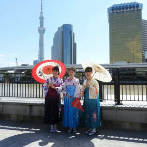 台湾からのお客様です。お友達のご紹介でご利用いただきました。ありがとうございます。 袴をお選び頂き、とても可愛いいです(*^ー^)ノ♪