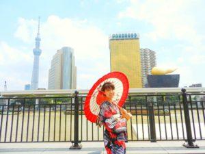カナダからのお客様です。日本伝統文化の浴衣を体験して頂きました(^^)とても素敵です(*^ー^)ノ♪ 今天光顧本店來自加拿大的客人~對日本文化抱有十分的興趣,藉著這次的機會體験到日本傳統的浴衣了呢^_^非常的美麗動人喔!