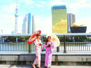 海外からのお客様です!ピンクやブルーの艶やかで上品な浴衣をお選び頂きました(^^) 浅草観光楽しんで下さいね(*^ー^)ノ♪ 海外来的客人,选择了都是本店的人气款,粉色和蓝色的传统浴衣,超级超级可爱哦(^^)祝你们今天在浅草玩的开心哦(*^ー^)ノ♪