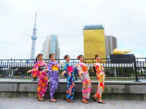 台湾からのお客様です!皆さん艶やかな浴衣がとてもお似合いです(*^ー^)ノ♪浅草散策楽しんで下さいね★ 台湾來的五位美女客人,都選擇了自己喜歡的浴衣,每個人都有自己的特色,每個人都超級美膩哦(*^ー^)ノ♪祝你們五位在日本玩得開心,希望今天給你們留下一個幸福的回憶!