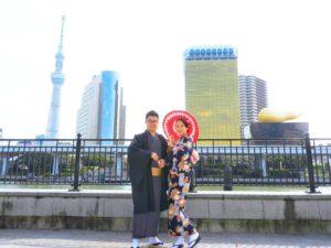 海外からのお客様です(*^^*)市松模様と伝統的な花柄の上品なお着物をお選び頂きました!浅草観光楽しんで下さいね♪ 來自國外的客人(*^^*)選擇了市松模様和傳統優雅的着物! 淺草觀光玩得愉快喲♪