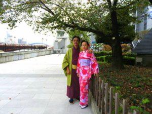 海外からのお客様です海外からのお客様です\(^_^)/着物体験ありがとうございます(^^)/浅草観光楽しんで下さいね(*^ー^)ノ♪ 來自印尼的客人\(^_^)/選擇了亮色系的和服,在隅田公園拍照紀念,願今天的和服體驗能讓兩位留下美好的回憶!!