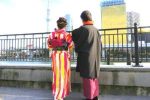 東京江戸小町風にお着物をお選び頂きました。粋でお二方とも素敵です。 客人選擇了東京江戶小町風的和服,簡約之中帶有高雅的風格(^^)淺草觀光愉快喲(^o^)