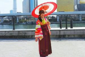 矢羽ねのお着物にオリジナルのビーズ刺繍の袴をお選び頂きました~