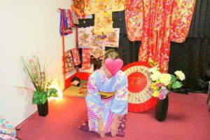 ドイツからお越しのお客様です\(^_^)/ピンクとブルーのお着物をお選び頂きました(^^)とてもお似合いで素敵です\(^_^)/着物体験ありがとうございます(^^)/ 來自德國的客人(^o^)難得來日本,順便體驗一下日本文化,第一次穿和服,選擇了粉紅色與藍色的和服,很適合好看喲(^^)希望今天的和服體驗能讓這次的日本旅程留下深刻難忘的回憶!