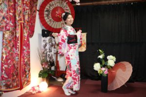 海外からのお客様です。和服体験ありがとうございます^_^浅草観光楽しんで下さいね(^∇^) 來自海外的客人(^o^)選擇了櫻花點綴的和服,非常適合春天呢!祝您櫻花遊賞玩得開心喲(^^)