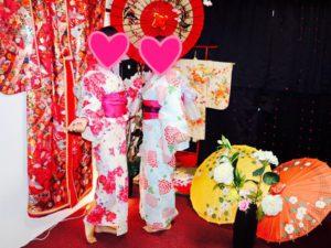 香港 からお越しのお客様です。キラキララメのグラデーションの夏浴衣がとてもお似合いで素敵ですね💕浅草観光楽しんで下さいね(*^▽^*)🎵 來自香港的客人,選擇了亮晶晶的夏天浴衣,非常美很適合兩位唷!祝您們在淺草觀光愉快!
