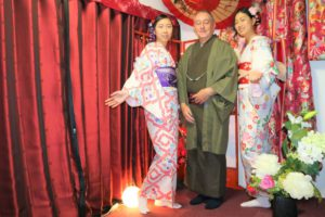 Customers from Australia. They look wonderful in Kimono!