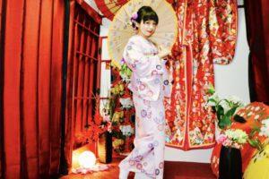 台湾からお越しのお客様です。桃色の和服をお選び頂きました👘当店人気のヘアーセットもかんざしと合わせてます。