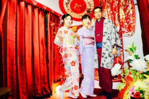 シンガポールからのお客様です。ご家族で日本旅行 の思い出に和服体験 をして頂きました。ありがとうございます😊  来自新加坡的客人。 一家人来日本旅行来体验了和服。谢谢你们哦。