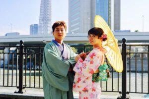 台湾からお越しのお客様です💕 ピンクの桜模様の可愛いらしいお着物と伝統柄の紳士の和服をお選び頂き浅草観光にお出掛けです(*^◯^*)