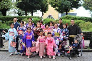 台灣來的團體客人28名,好熱鬧呢!