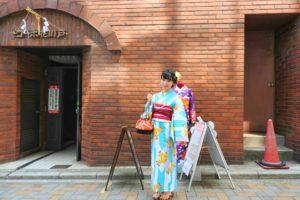 日本でご活躍のモデルさんです。ブルーに矢羽ねの浴衣がとてもお似合いです(~▽~@)♪♪♪ご来店ありがとうございます💕