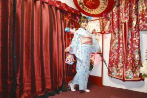 來自香港的女孩,穿著和服就像娃娃一般精緻呢~