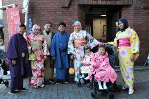 インドネシア ご家族 和服体験