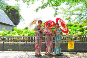 熊本からいらした仲良しの三姉妹です\(^_^)/💖好みも似ていますね~皆さんで縦線の浴衣をお選び頂きました(^^)浅草散策楽しん下さいね♪
