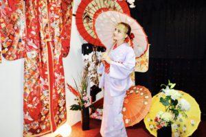 ロシアからお越しのお客様です。日本の和服体験をして頂きました。ありがとうございます😊。  來自俄羅斯的客人,體驗日本傳統的和服,非常謝謝您,非常適合您喔!