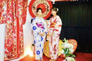 日本伝統的な浴衣をお選び頂きました👘 とてもお似合いで素敵ですね(*^▽^*)  選擇日式傳統花紋的浴衣體驗,兩位都很合適喔!