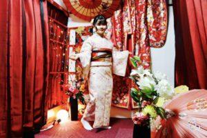 海外からお越しのお客様です💕上品な和柄のお着物をお選び頂きました!とてもお似合いで可愛いです❤️❤️当店前の隅田公園にて記念撮影です📸思い出になりますね🎵