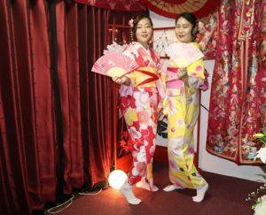 韓國的客人體驗和服,選了可愛款式,非常適合顯得很青春呢!