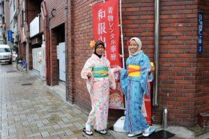 來自馬來西亞的母女一起體驗和服