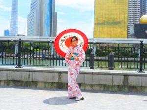 台湾からのお客様です。ラメの浴衣を体験して頂きました。とても可愛いいですね\(^_^)/ 浅草観光楽しんで下さい!