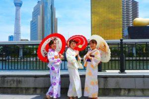 涼しげな浴衣をお選び頂きました(^^) 日本の夏は、やっぱり浴衣ですね♪