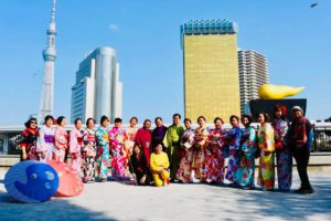 インドネシアからお越しのお客様。初めての和服体験楽しそうでした。