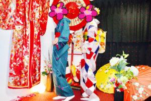 レトロモダンなお着物をお選び頂きました💕とてもお似合いで可愛いですね(*^▽^*)浅草で女子会楽しんで下さいね🎵 两位都选择了复古款式的和服👘、带结也是小猫图案的超级可爱💕💕