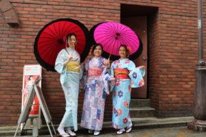 自香港來的客人們,體驗了非常好看的和服呦。
