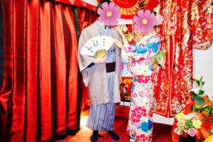 女性は艶やかな可愛い #お着物 に男性は #和柄 のお着物を素敵に着こなして下さいました❤️👘お二人共素敵ですね✨✨ #浅草寺 や #仲見世 散策楽しんで下さいね👘