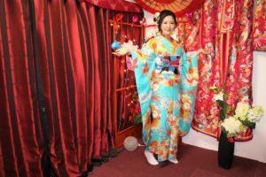 來自中國的女士體驗了最為華美的振袖和服,看起來氣勢非凡!