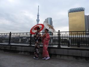 香港からのお客さまです(^-^)v伝統的なお着物をお選び頂きました。着物体験ありがとうございます(●^o^●)