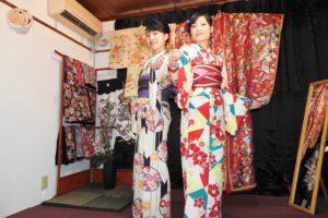 伝統的な和服をお選び頂きました(^^)楽しんで下さいね\(◎o◎)/ 客人選了傳統花式和服,相當美麗,希望淺草觀光愉快(^^)