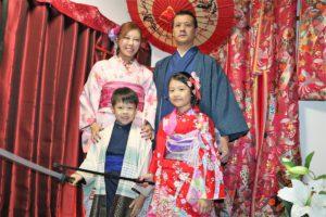 俊男美女的香港一家人