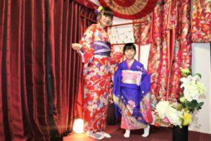 香港來的母女,一同穿上日本傳統服飾很好看呢!
